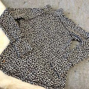Lucy brown & cream cheetah 1/2 zip pullover sz.M